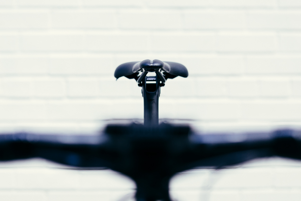 The custom aero seatpost on the Storck Aerfast Platinum uses a mono rail saddle clamp.