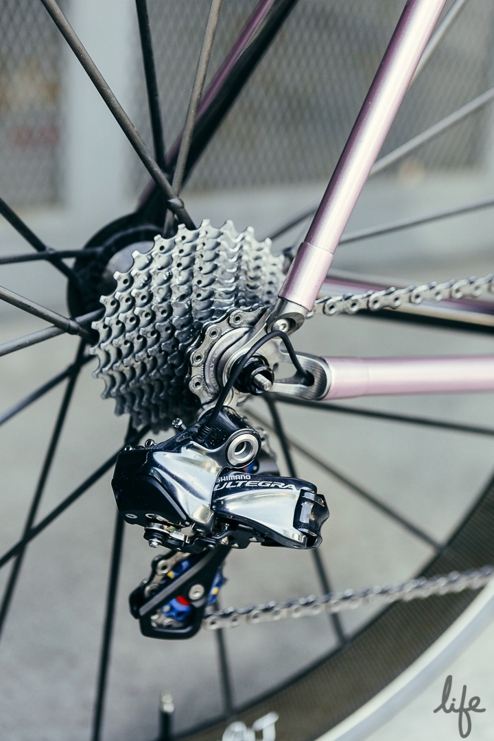 Even the cable ports on the  #PrincePink Parlee Z-1 are dreamy