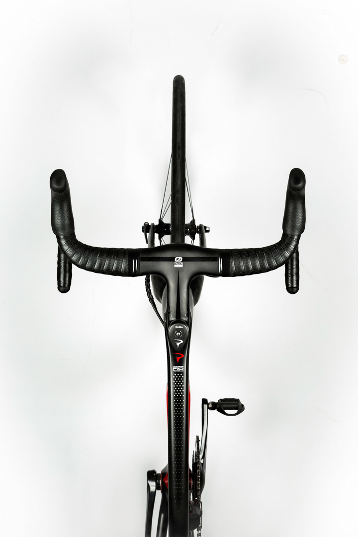 A birds eye view of the Pinarello F10 helps you appreciate all the shapes the designers put into the frame.