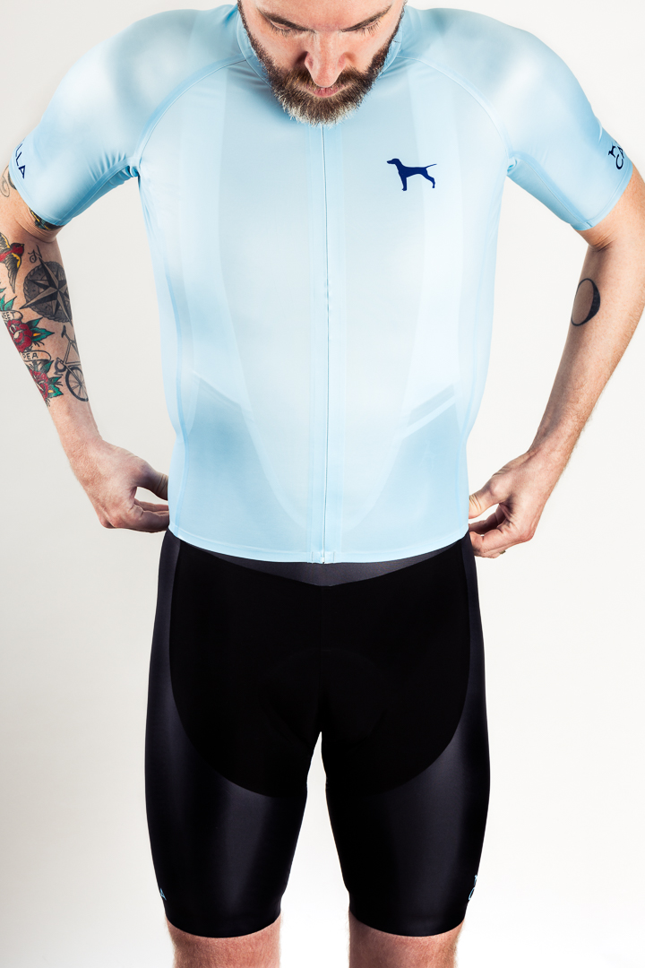 The Catella GMR seamless jersey and bibs are made from Schoeller fabrics using a proprietary construction method.