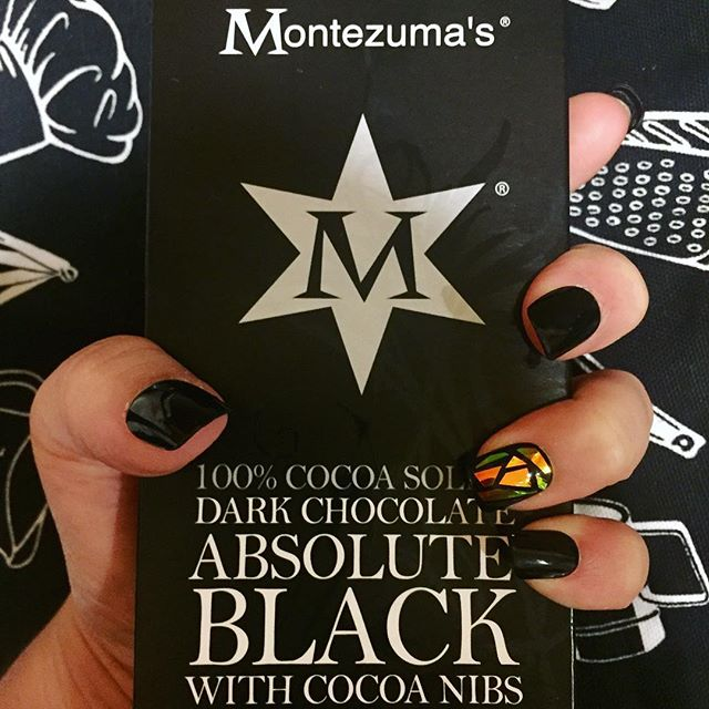 ⚫️▪️#PaintItBlack▪️⚫️ Thank you @montezumaschocs and @impressmanicure #absoluteblack #darkchocolate #textappeal — Finally, #chocolate and nails to match my soul. 💀🔪#walkingonbrokenglass