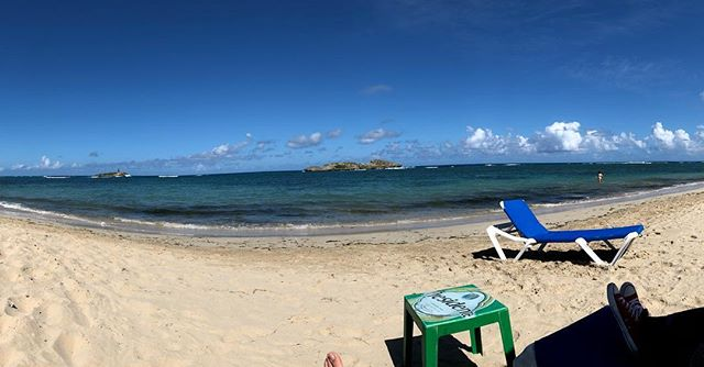 My view for today's lunch. 🇩🇴🌊🤗 #whatsgood!
