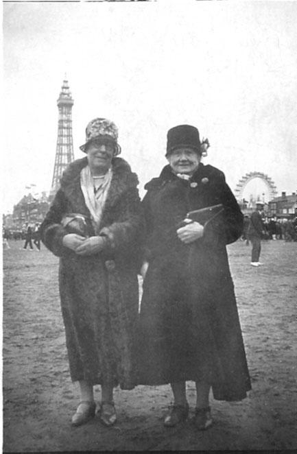 1927-ATKINSON-Mary-Draisey-&-sister-Emma-or-Fanny-1927-(2).jpg