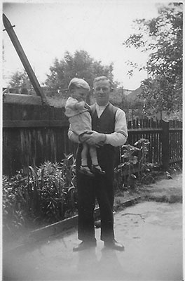 "Henry John ""Jack"" Vince with his son Jack Jr. circa 1925"