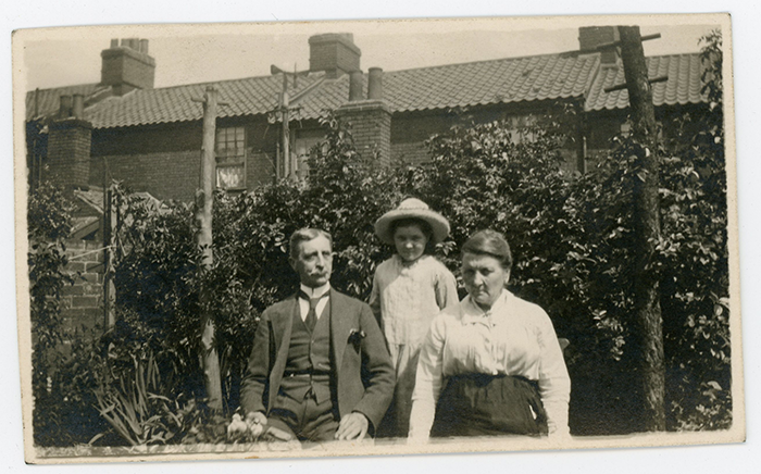 Jim & Polly Witter & Ethel. Summer 1922