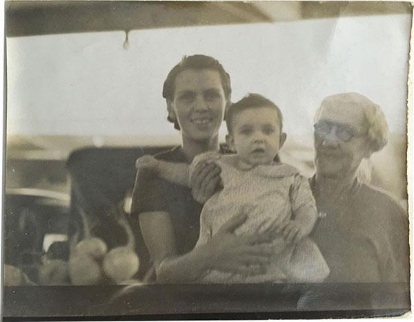 1936 Gertrude Huebotter, Bertha Britz Huebotter, Virginia Roberts