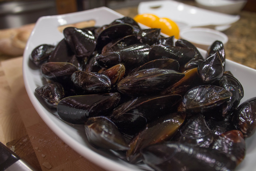 mussels with leeks, garlic and wine