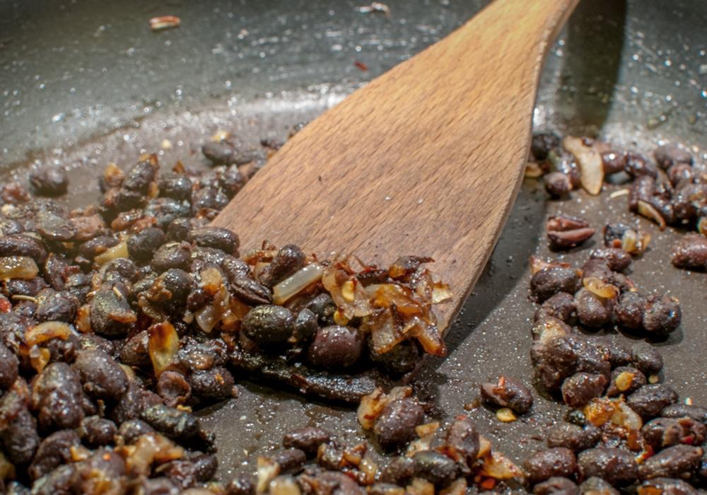 Guacamole-black-bean-pasta-beans.jpg