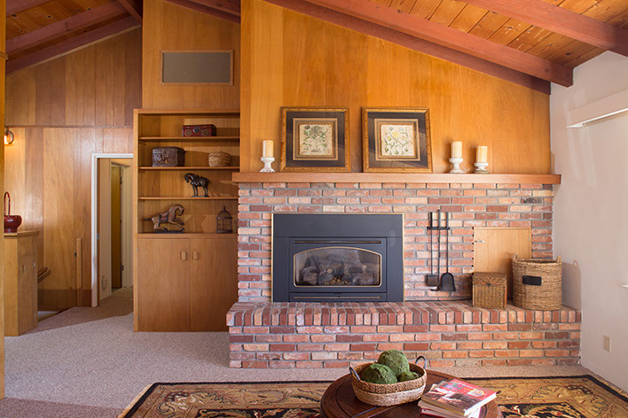 2-living-room-fireplace.jpg
