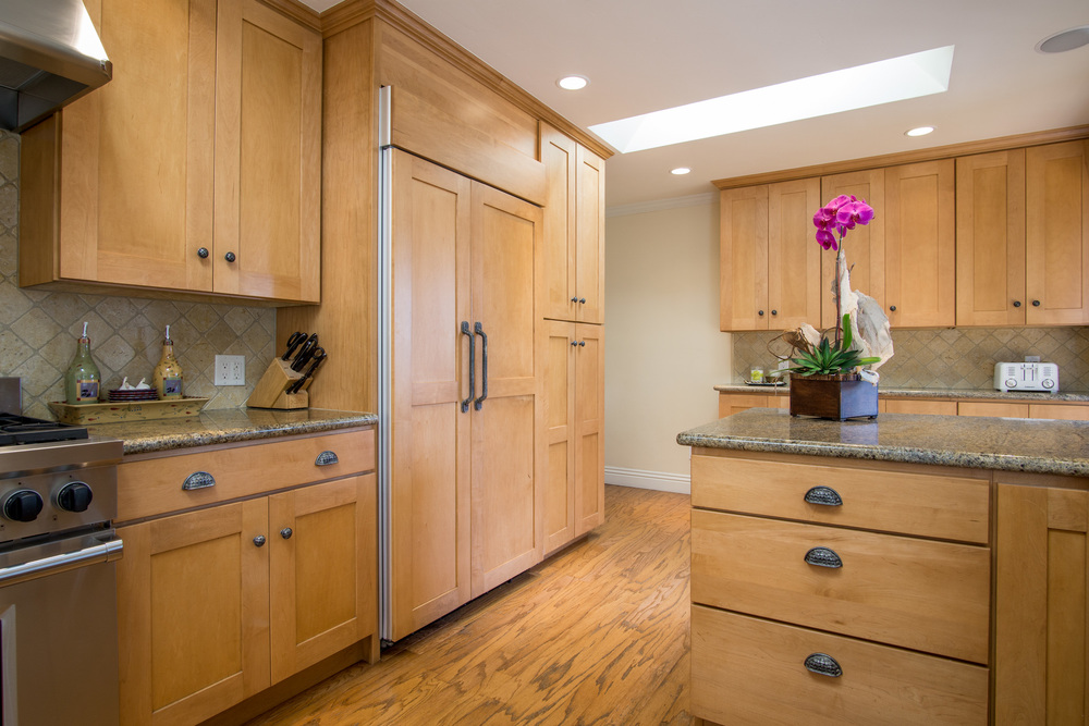 10. Kitchen 1.jpg