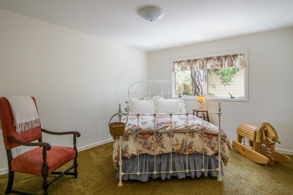 14 Bedroom 2.jpg
