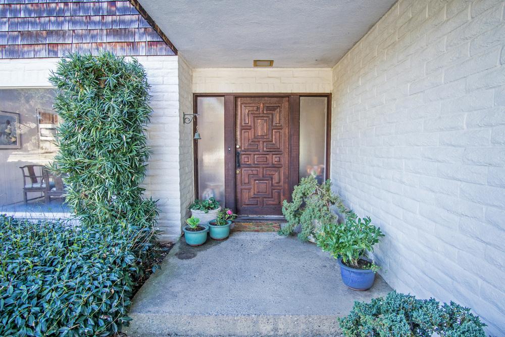 5 front door.jpg