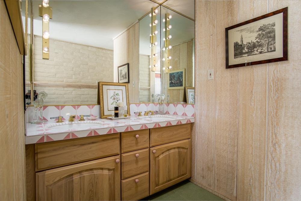18 pink bath 1.jpg
