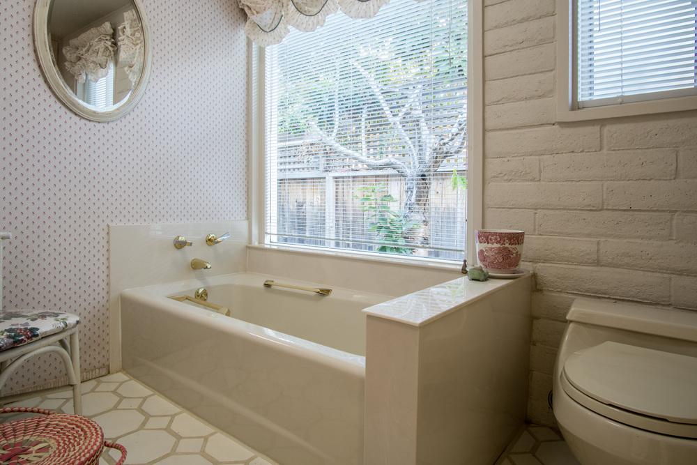 19 pink bath 2.jpg