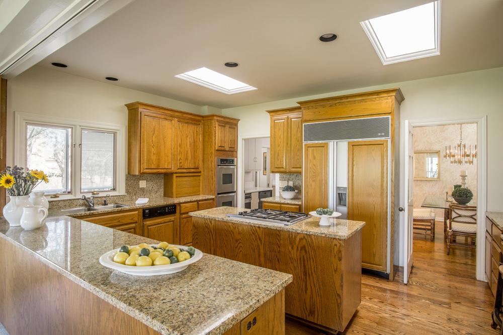 12 kitchen1.jpg