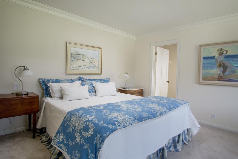 24 Blue bedroom.jpg