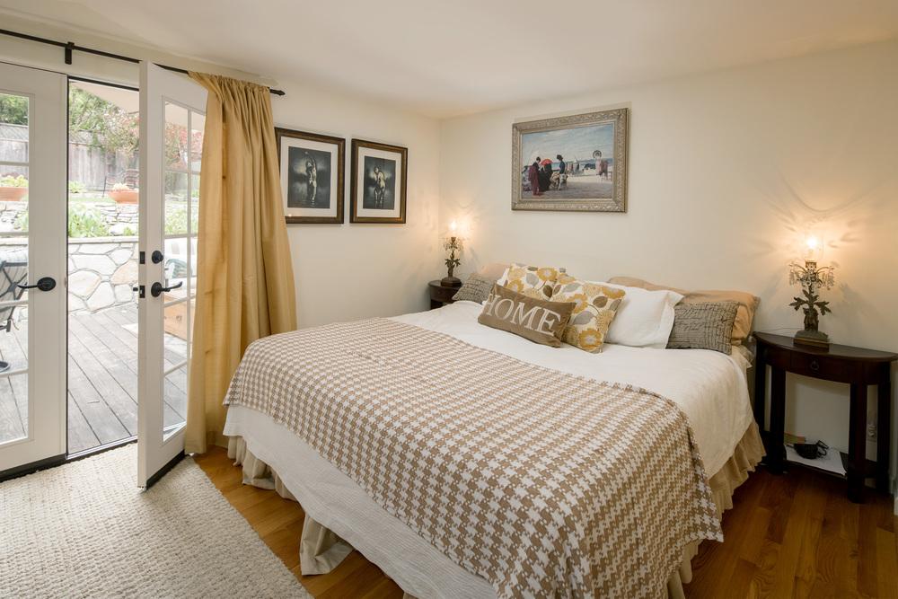 13 master bed.jpg