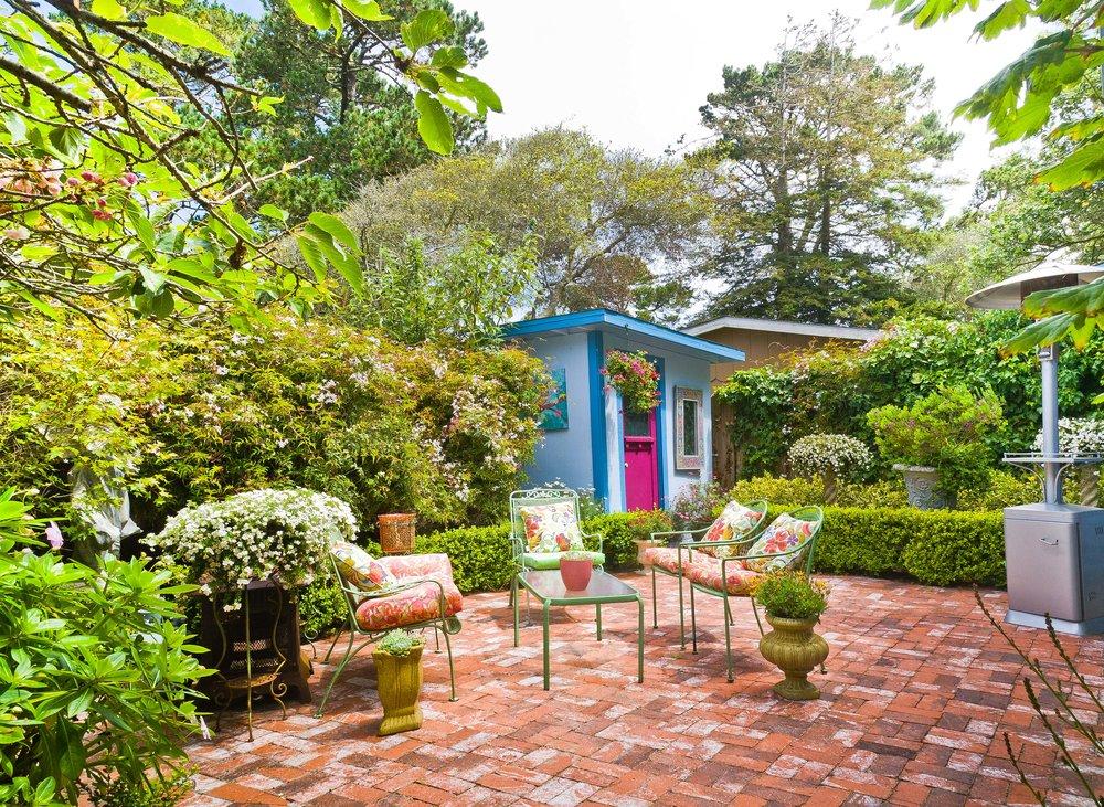 22 Back garden.jpg