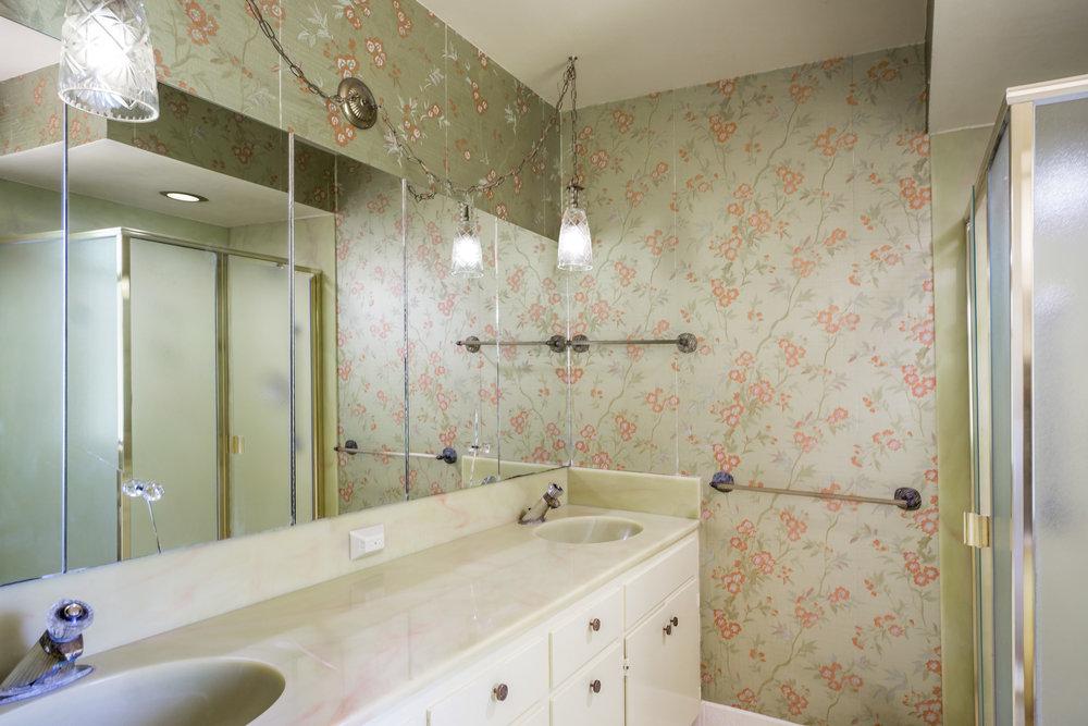 12 Bath 3.jpg