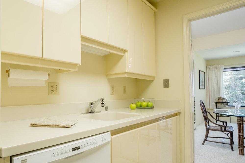 9.kitchen 2.jpg
