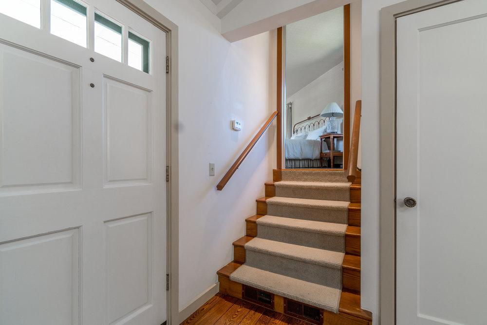 17 stairs to master.jpg