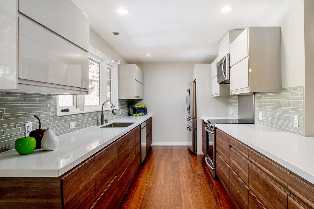 12. kitchen 1.jpg