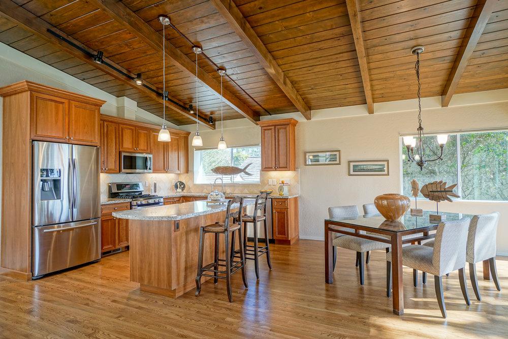 5 Kitchen 1.jpg