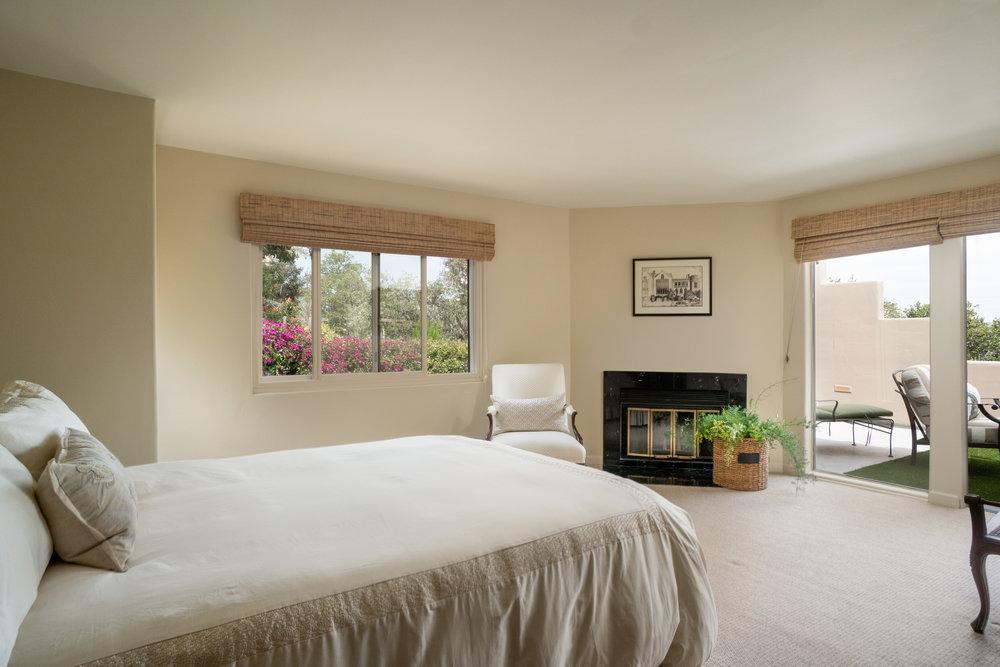 15 master bedroom 1.jpg