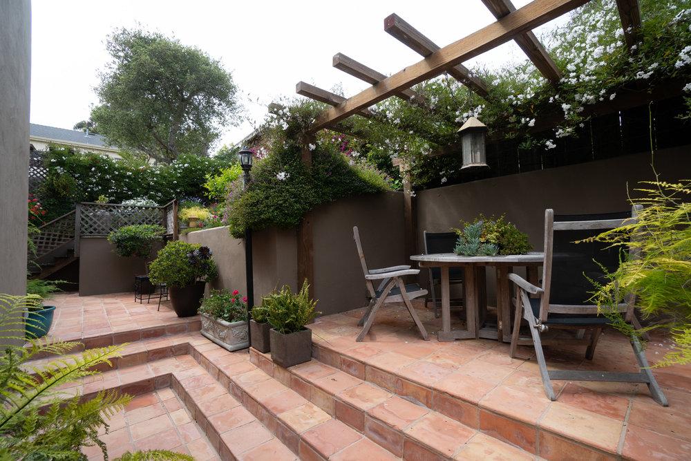 31 garden.jpg