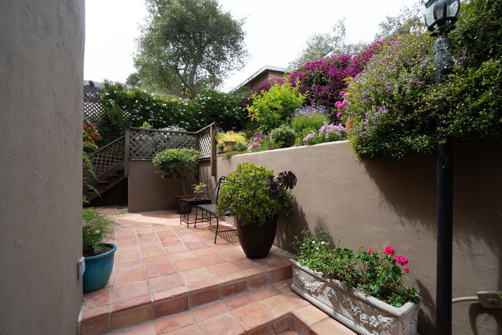 32 garden.jpg