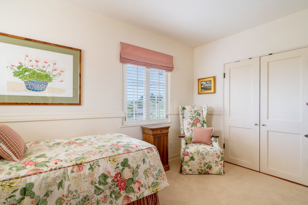 28a. bedroom 2.jpg