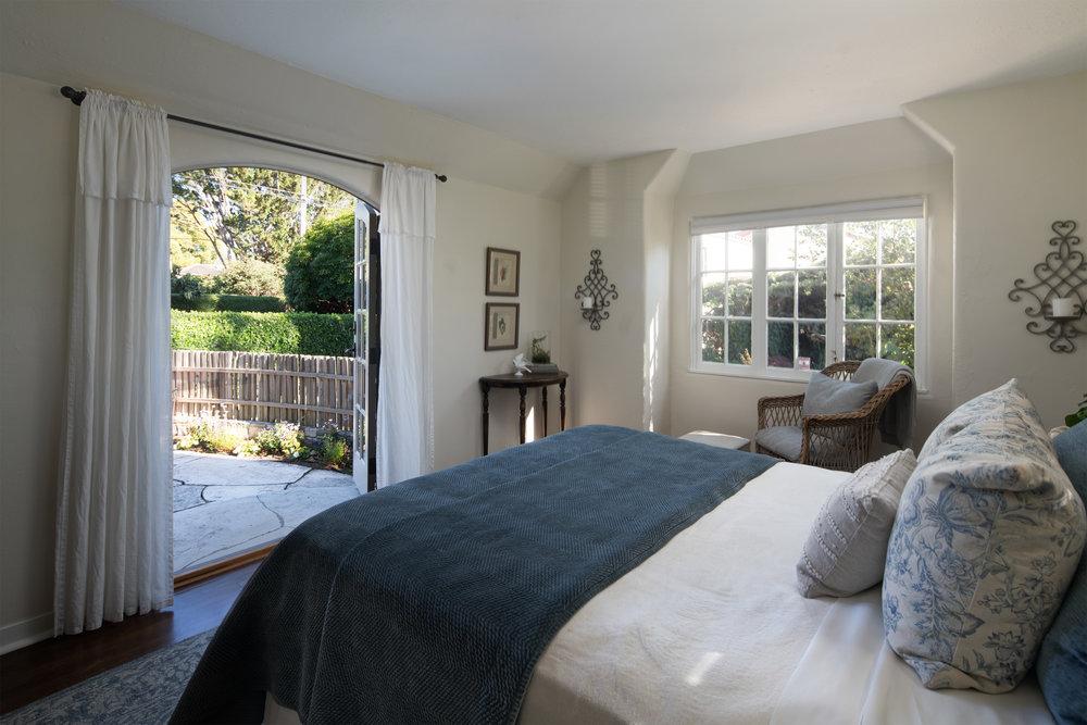 21 bedroom 2b.jpg