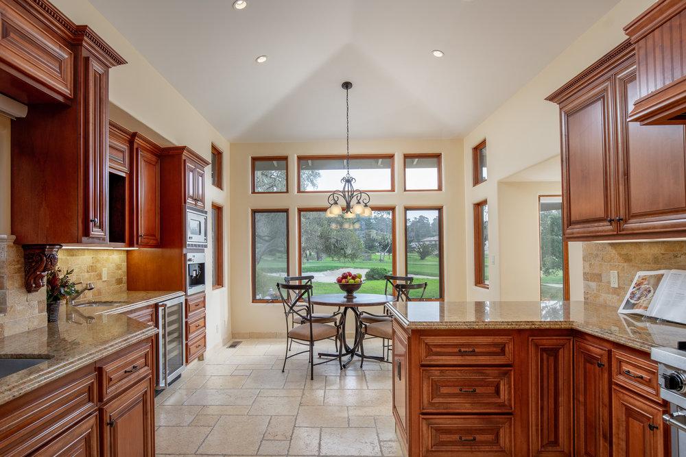 13 kitchen 5.jpg
