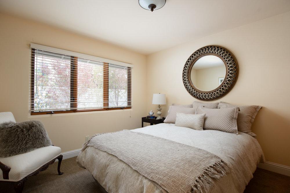 24 bed 2.jpg