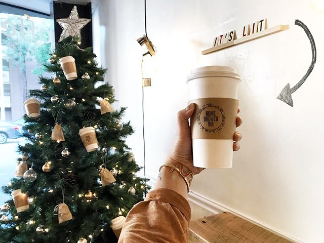 Tis' the season for hot milk teas with boba 🎄⚫️ #welcomehome #itlit #literally [📸: @robynsarile]