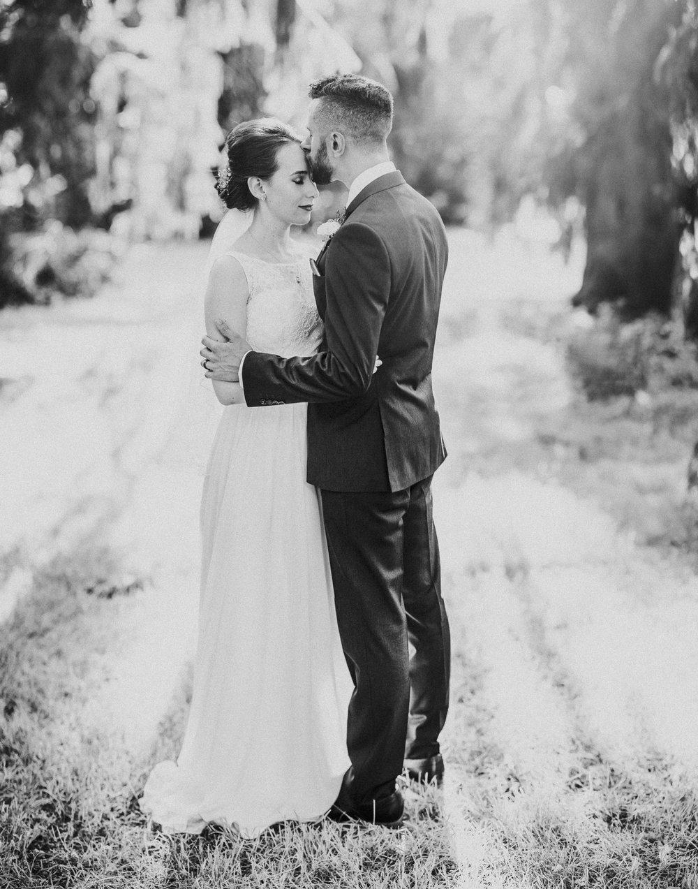 BRIDE + GROOM PORTRAITS-013.jpg