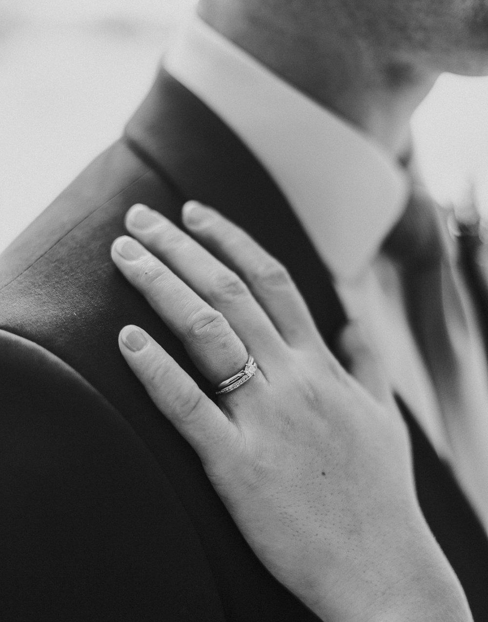BRIDE+GROOM-PORTRAITS-031.jpg
