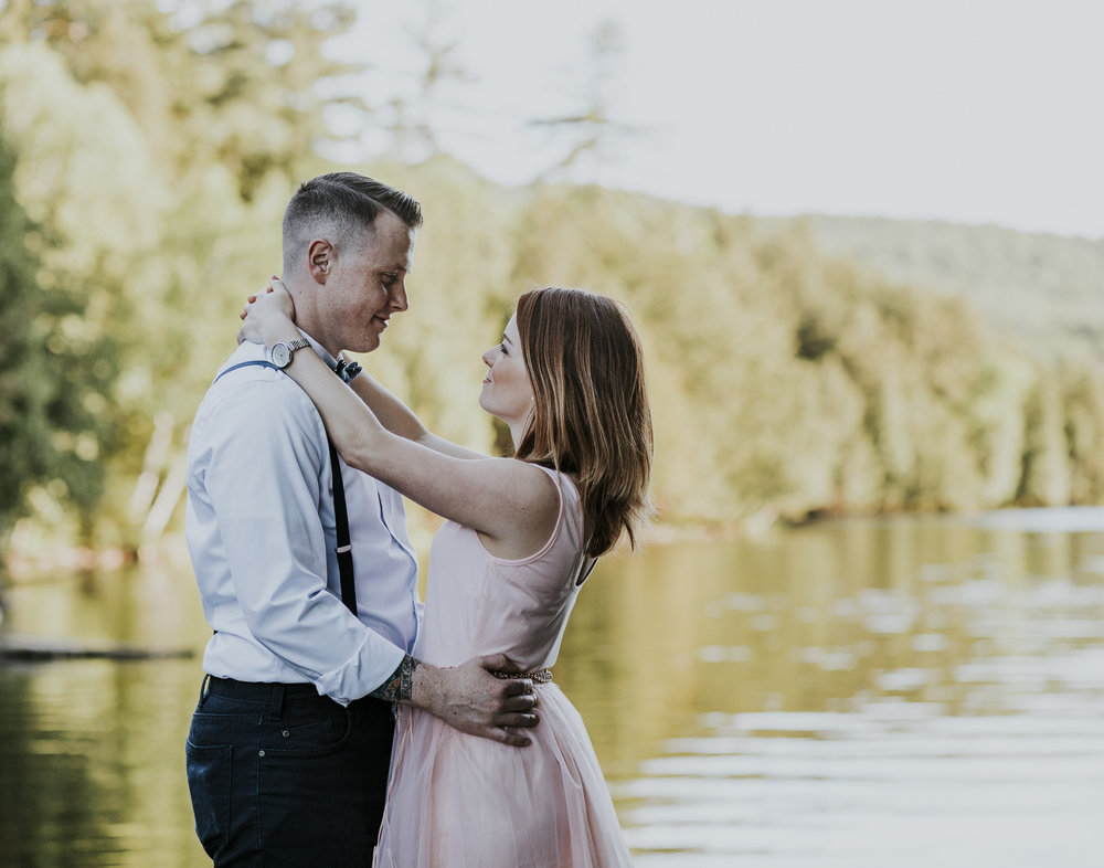 2018-06-10 Lindsey + Joe Engagement-011.jpg