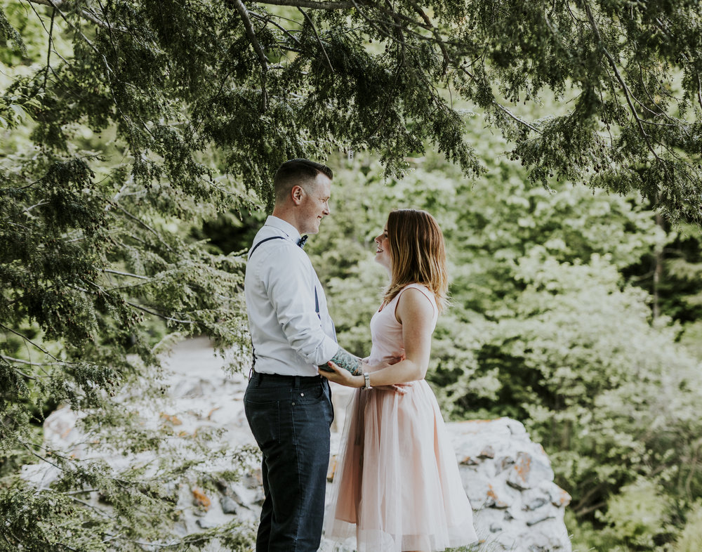 2018-06-10 Lindsey + Joe Engagement-021.jpg