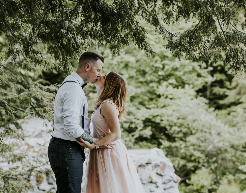 2018-06-10 Lindsey + Joe Engagement-022.jpg