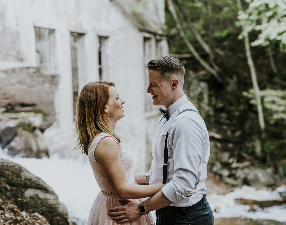 2018-06-10 Lindsey + Joe Engagement-051.jpg