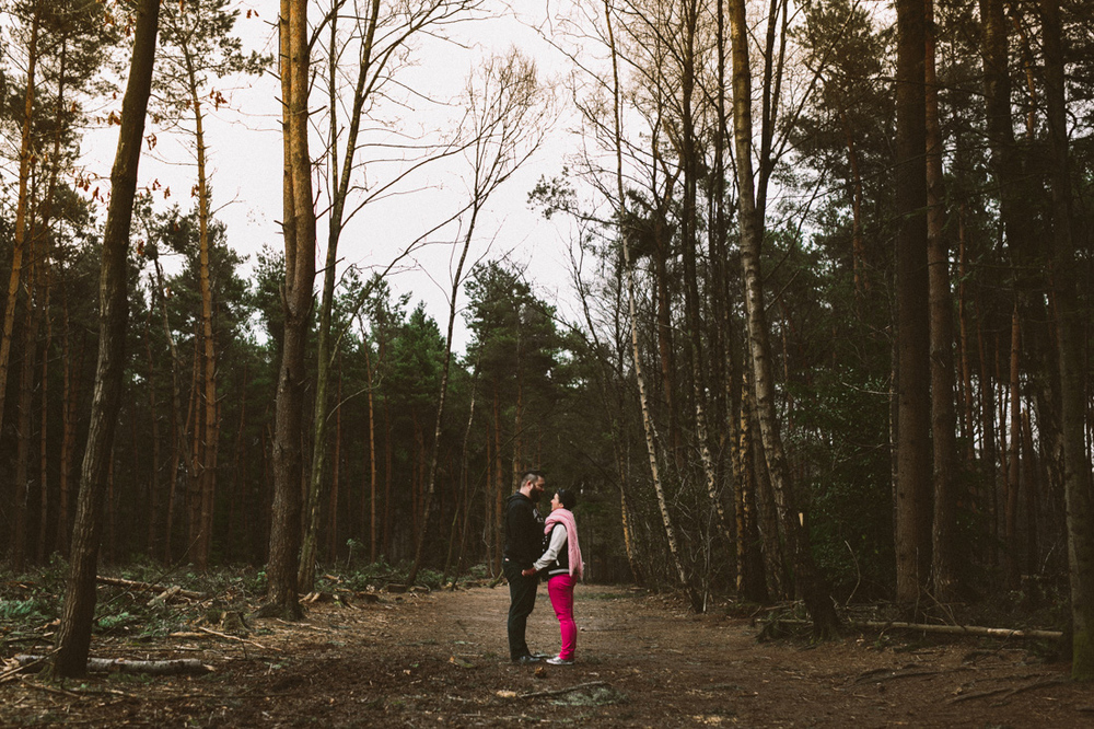 Wedding photographer from Breda the netherlands shoots loveshoot