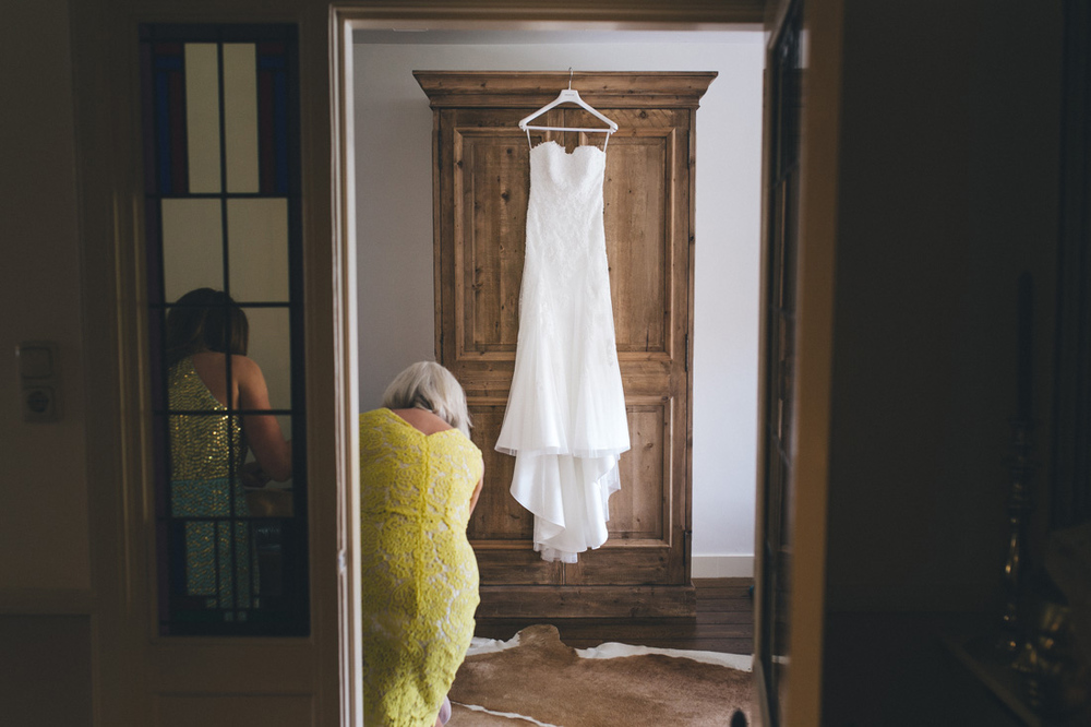 Wedding photographer from the Hague the netherlands shoots weddi