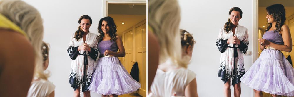 Bruidsfotograaf Den haag tijdens aankleden bruid