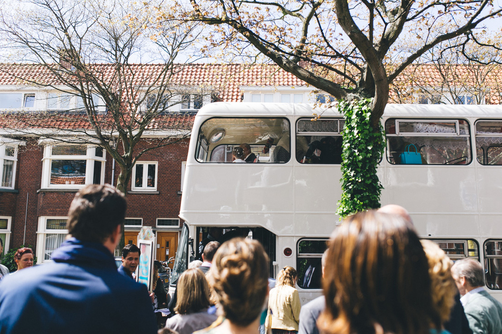 Witte londonse dubbel dekker bus om te trouwen
