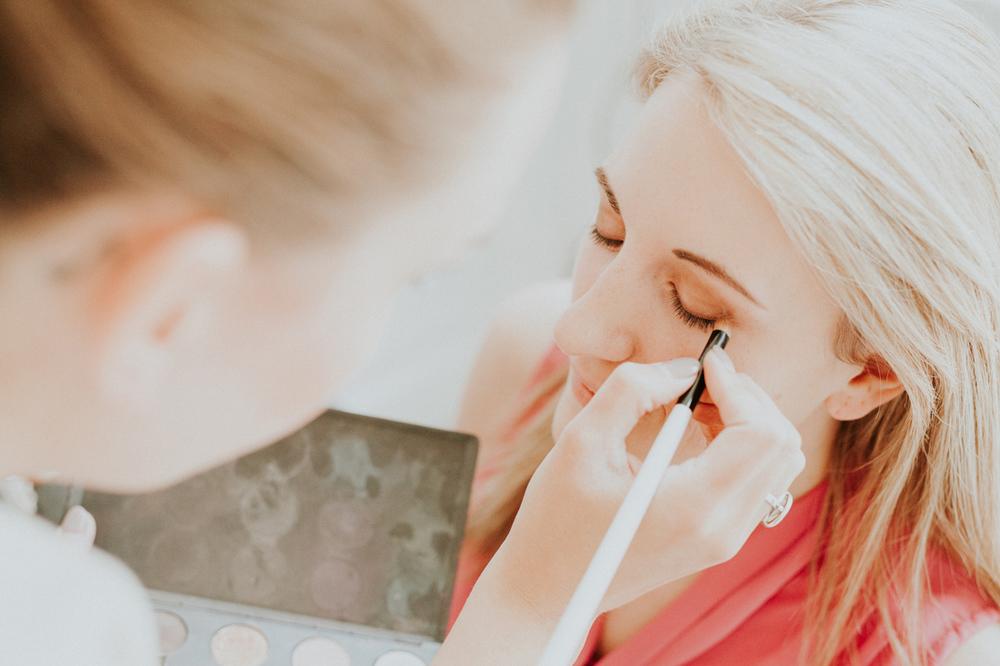 makeup artist in hotel suite 28 in leiden