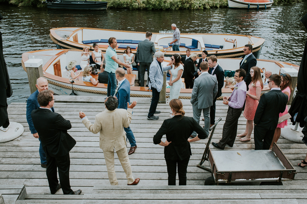 wedding guests getting a boat tour in leiden