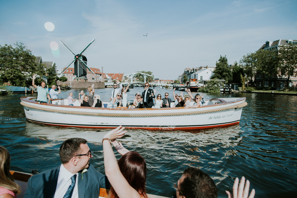 lovely boat tour at a wedding in leiden