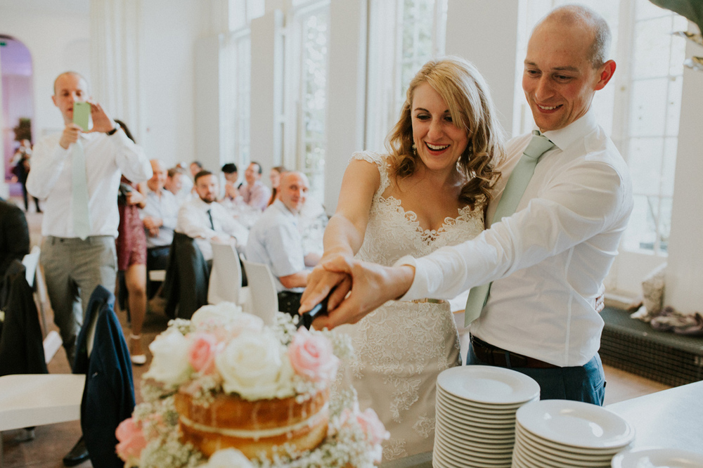 wedding cake at venue hortus botanicus leiden