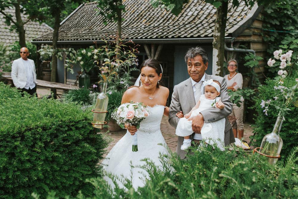 bruidsfotoraaf-bohemian-wedding-domaine-heerstayen-23.jpg